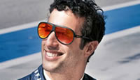 High-Tech Red Bull Racing Eyewear Technik, Innovation, Präzision